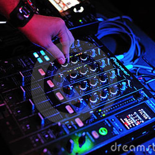 DJ AdRyYy's avatar