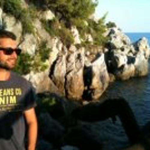 Tomas Ths's avatar