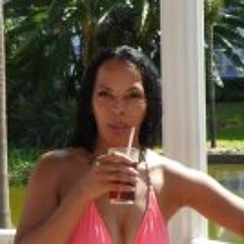 Lorna Harris's avatar