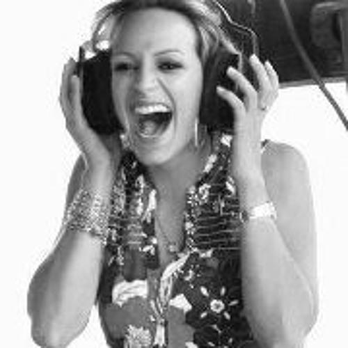 Ingrid Correia's avatar