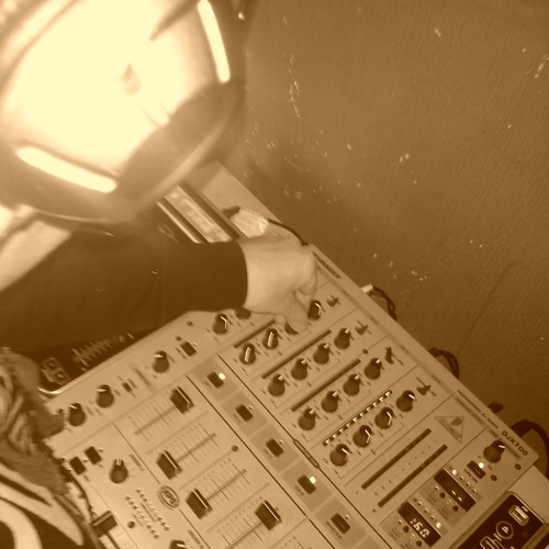 DJ S-VIBE's avatar