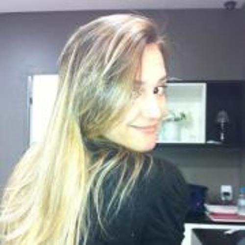 Aiana Reis's avatar