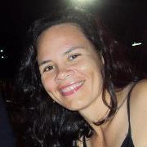 Queila B. Lopes's avatar
