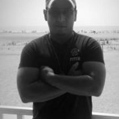 Arnold Peralta's avatar
