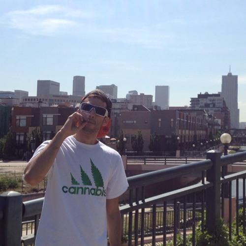 DJ CaMoRa's avatar