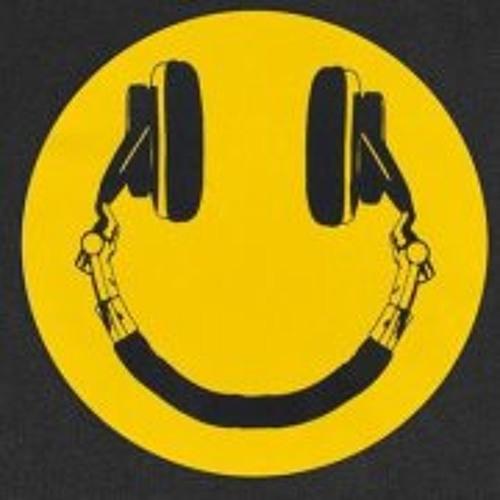 Fmstudios Thebooth's avatar