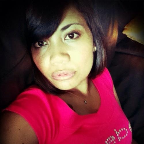 Shariffah Arini's avatar