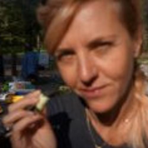 Linda Van Troyen's avatar