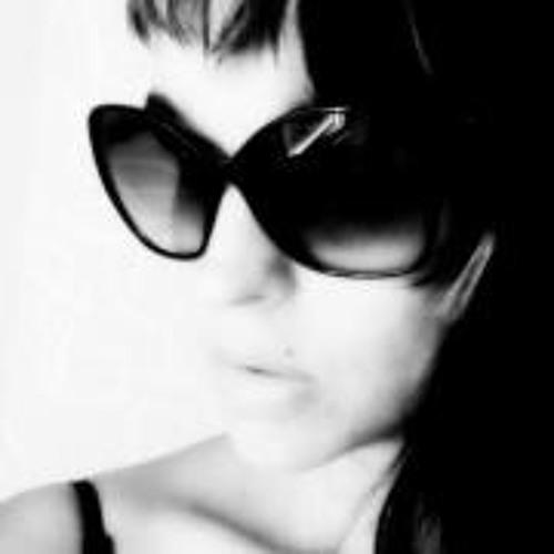 Písnička QwamiKami's avatar