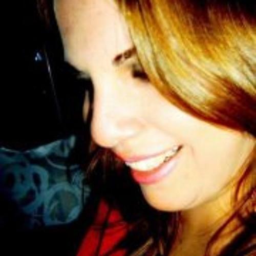 Maíra Garrido's avatar