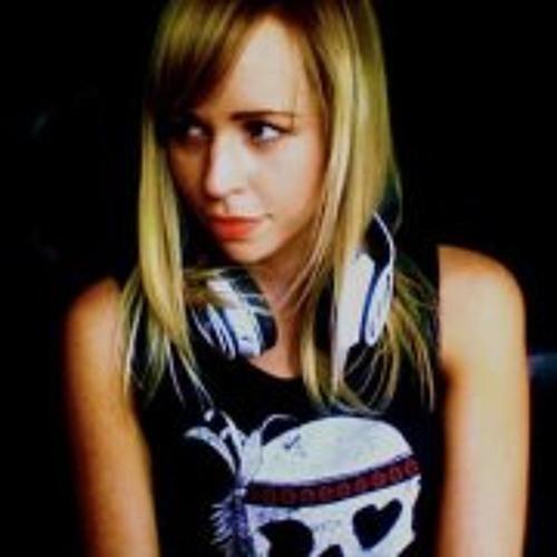 Chloe Martin 89's avatar