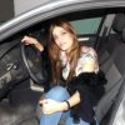 Amira Aslan's avatar