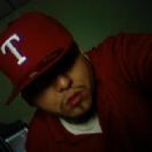Carlos Flores 94's avatar
