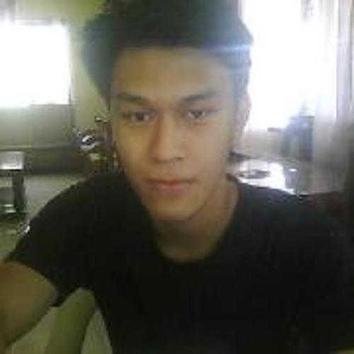 Aaron Micoh Aguilar's avatar
