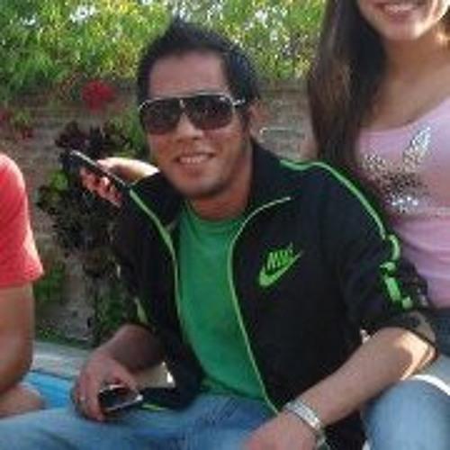 Alejandro Oshiro's avatar