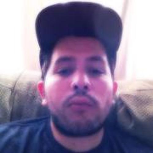 Izz Carrillo's avatar