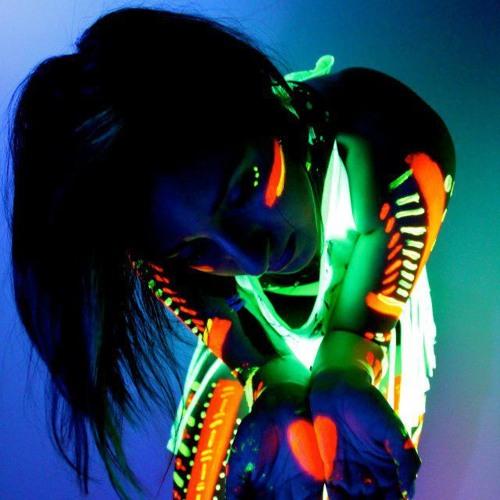 RoyaClarisa's avatar