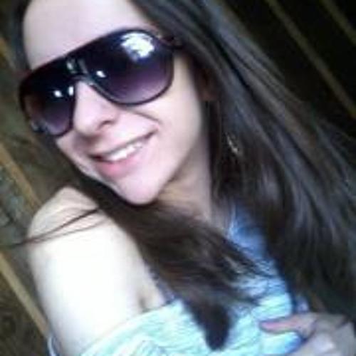 Ana Carol 3's avatar