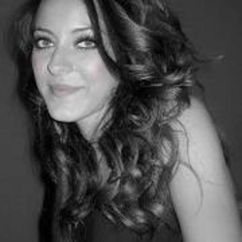Mihaela Raluca's avatar