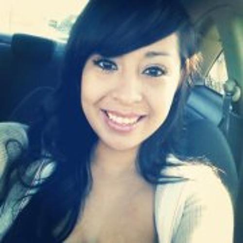 Myra Alejandra Flores's avatar