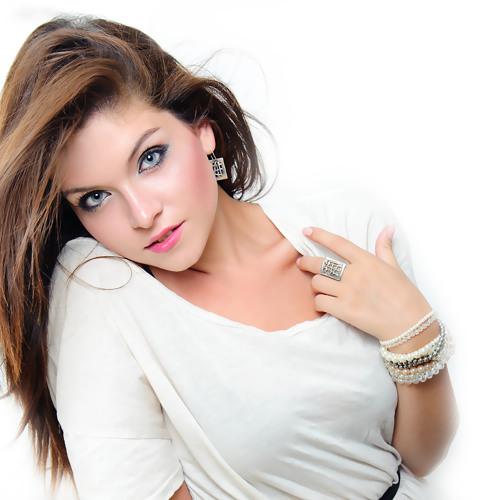 Adelina Damian's avatar