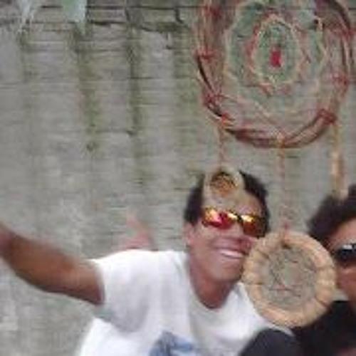 Moroni Santos's avatar