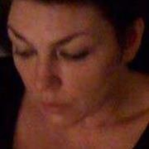 Lyn Sneddon's avatar