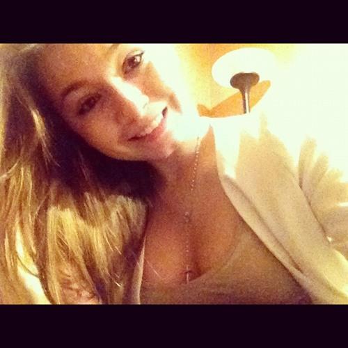 Graciela Fern's avatar