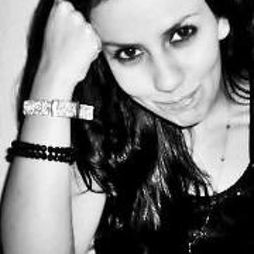 Caroline Gonçalves 8's avatar