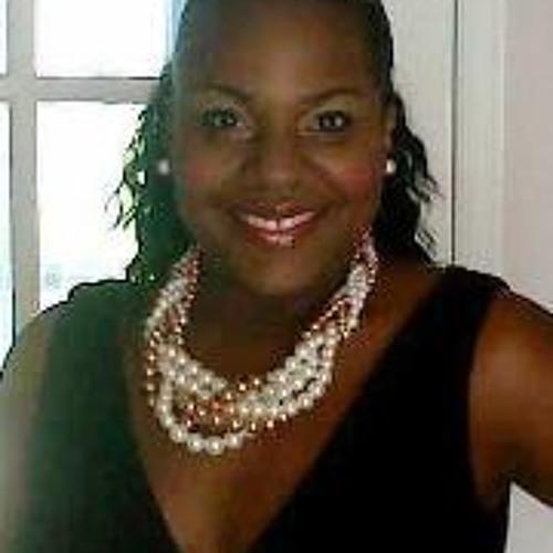 Daphney Bella's avatar