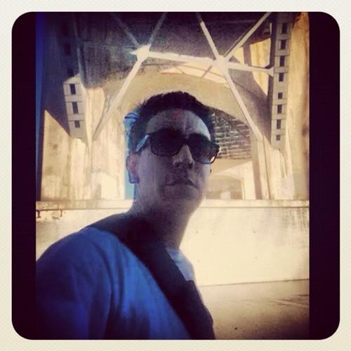 Alonso Chavez's avatar