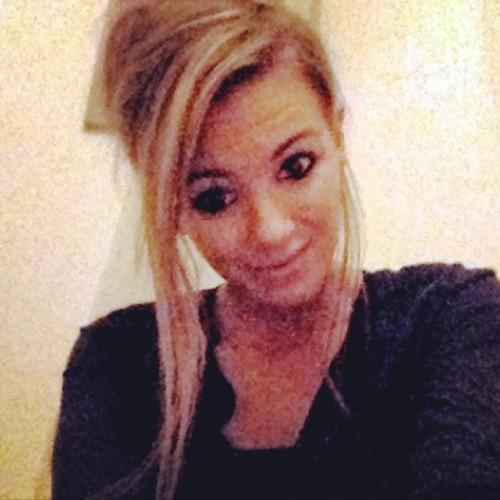 Hollyanne Lowden's avatar