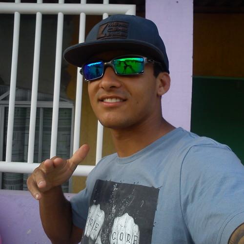 Rai Oliveira's avatar
