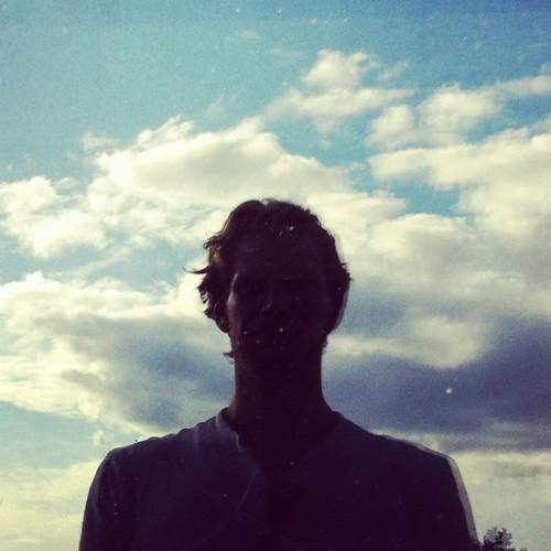 sleeping≣layers's avatar