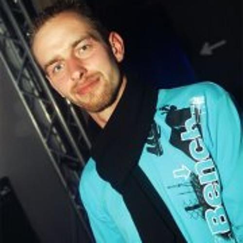 Oliver Falk 1's avatar