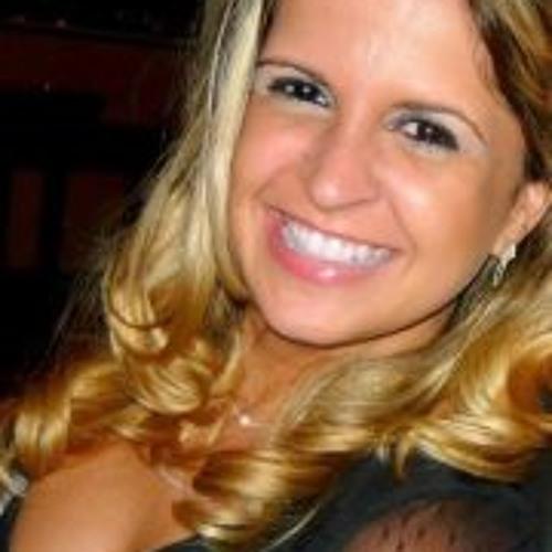 Aline Vieira 8's avatar
