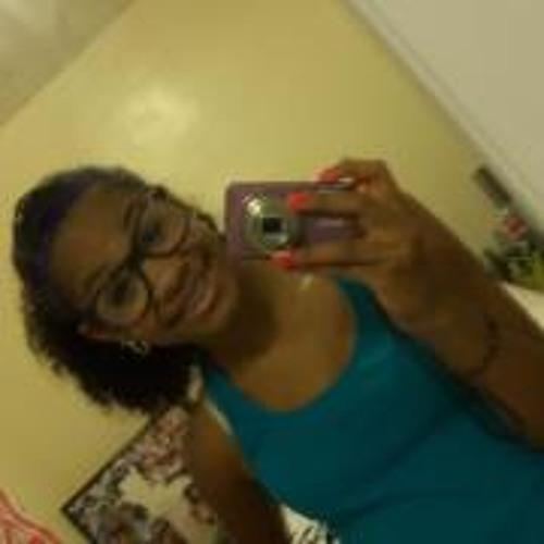 Janiya<33's avatar