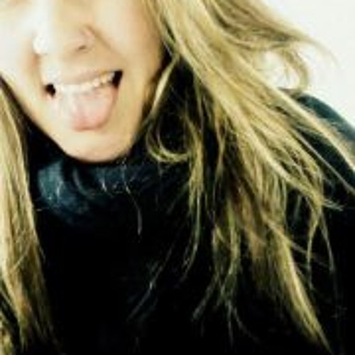 Ana Claudia Pitella's avatar