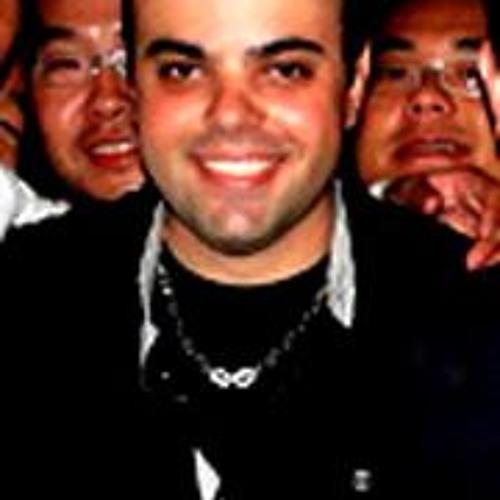 Ricardo Ruiz Estevam's avatar