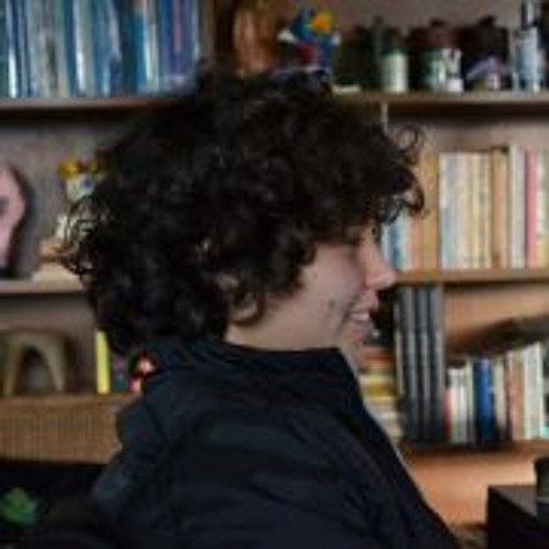 Lua Marinho's avatar