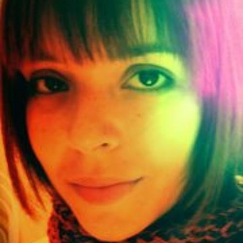 Fabíola Amaral's avatar
