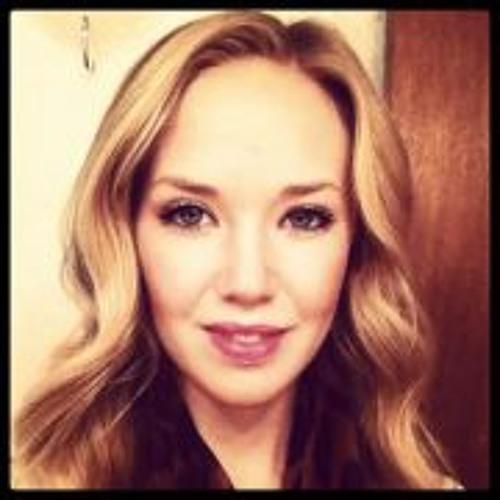 Caroline Christine's avatar