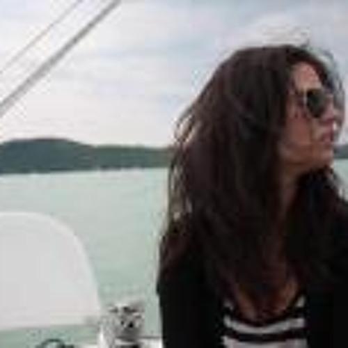 Anna Horvath 8's avatar