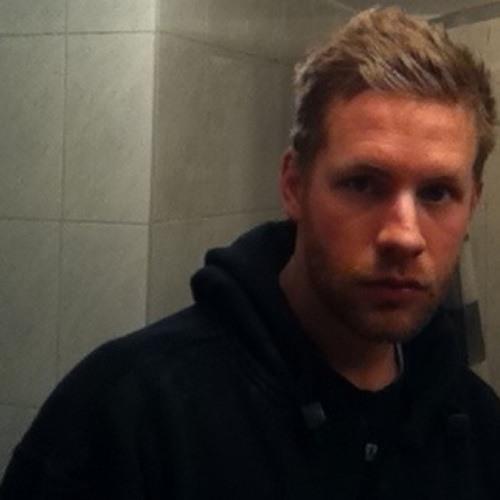 RussellJR's avatar