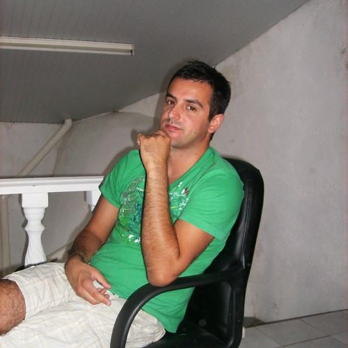 Claudio Luka's avatar