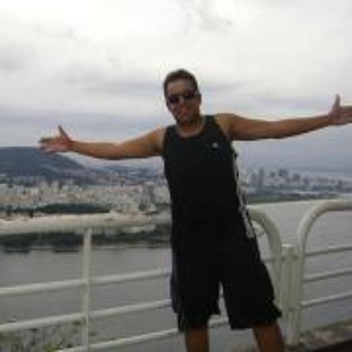 Douglas Araújo 15's avatar