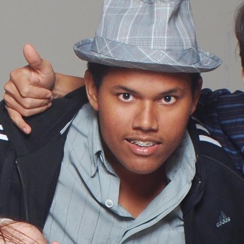 Lucas Eduardo COBHC's avatar