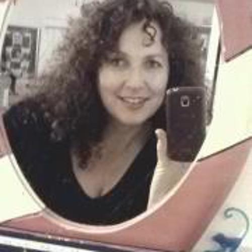 Lorraine Chambers's avatar