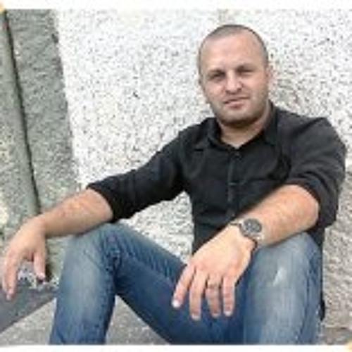 Laerte Vitoriano's avatar
