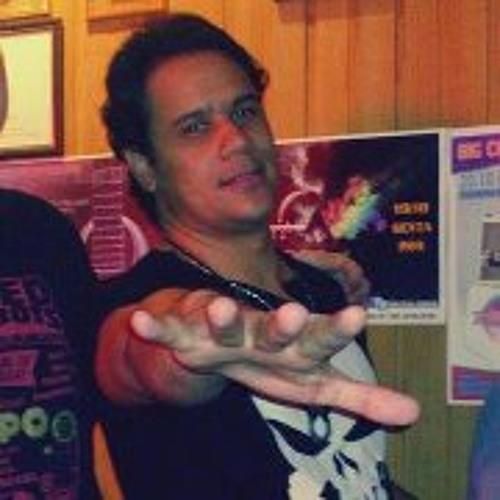 Daniel Gusmão 2's avatar